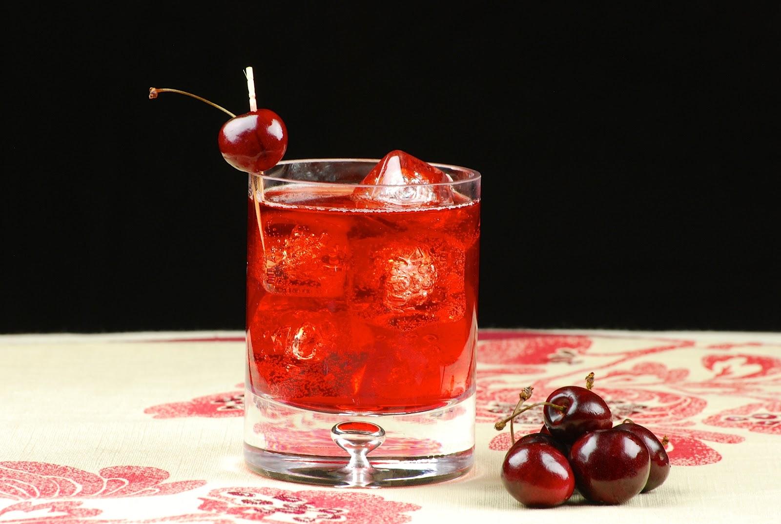 Как сделать домашний ликер из вишни простой рецепт